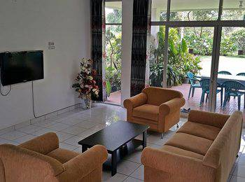 Villa Bunga Merah Gelatik Gelatik - 3 Bedrooms Villa Regular Plan