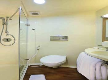 Cordela Hotel Cirebon - Deluxe Double Room Only Regular Plan
