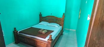 Hotel Wisata Ziarah Sunan Bonang Syariah Tuban - Standard Room KETUPAT