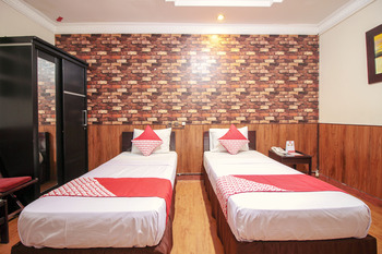 OYO 352 Hotel Sabang Bandung - Suite Twin Room Regular Plan