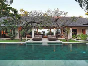 Villa Bali Asri Seminyak Bali - Deluxe Three Bedroom Villa Early Bird 60 Days