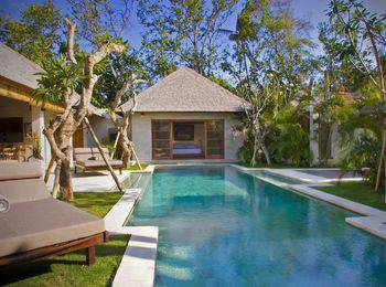 Villa Bali Asri Seminyak Bali - Deluxe Three Bedroom Villa Non Refundable Basic Deal