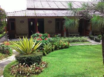 Hotel Lembah Safari Cisarua Puncak - Standard Triple Regular Plan