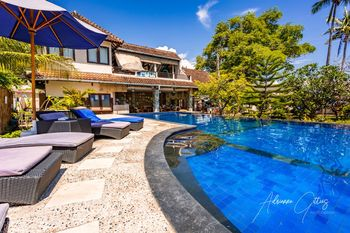 Oceans 5 Dive Resort Lombok - Pool Bungalow with Bunk Bed Regular Plan