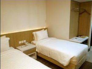 Harmoni Hotel Garut  Garut - Deluxe Twin bed Stay more longer