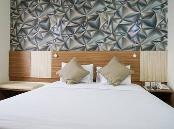 Smarthomm Hotel Jakarta - Deluxe Double Room Regular Plan