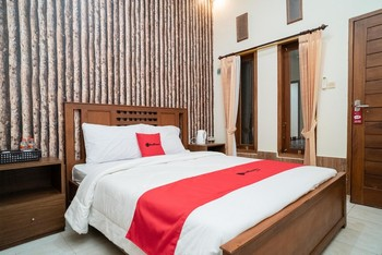 RedDoorz near Transmart Lombok Mataram Lombok - RedDoorz Room Basic Deals Promotion