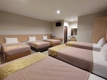 Green Forest Bogor Resort & Villa Bogor - Villa 6 Bedroom Room Breakfast Last Minute Deals