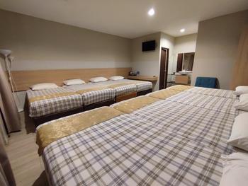 Green Forest Bogor Resort & Villa Bogor - Villa 8 Bedroom Room Breakfast Last Minute Deals