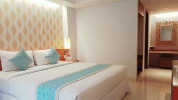 Adhi Jaya Sunset Hotel Bali - Deluxe Terrace pool view Room Only Promo Harga Irit