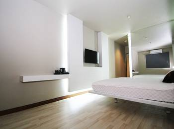 The L Hotel Entertainment Batam - Superior Single Room Only Regular Plan