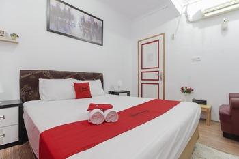 RedDoorz Plus near Budi Luhur University Jakarta Tangerang - RedDoorz Family Room with Breakfast Regular Plan