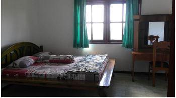 Utama Residence Batu Pasuruan - Standard Room Only NR Min 2N, 40%
