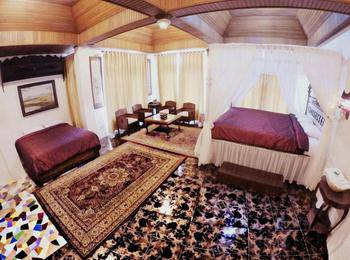 Amali Hotel Padang - Family Room Regular Plan