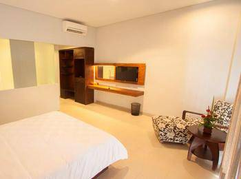 Fourteen Roses Hotel Bali - Modern Deluxe Room Only Hot Deal 48%