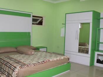 Radio Backpacker Guesthouse Bandung - Deluxe Room Regular Plan