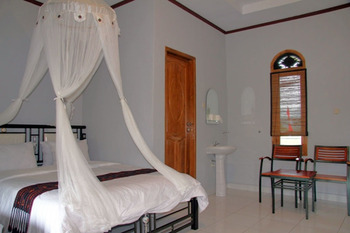 Silverin Hotel Bajawa  Ngada - Economy Room Regular Plan