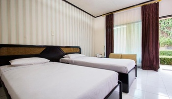 Hotel Borobudur Indah Magelang - Deluxe Room Only Regular Plan