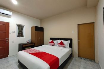 OYO 849 Palem Mas Garden Medan - Deluxe Double Room Regular Plan