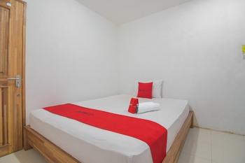 RedDoorz near Gajah Mada Pontianak Pontianak - RedDoorz Room Long Stays 3D2N