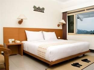 Sangria Resort & Spa Lembang - Deluxe Non AC With Breakfast Regular Plan