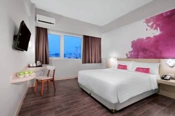 favehotel S. Parman Medan - Deluxe Room with Breakfast Regular Plan
