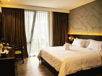 Golden Tulip Pontianak - Superior Queen Room Only Regular Plan