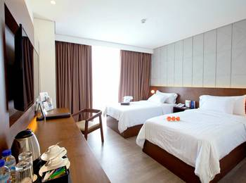 Golden Tulip Pontianak - Superior Room Only Last Minutes Deal!