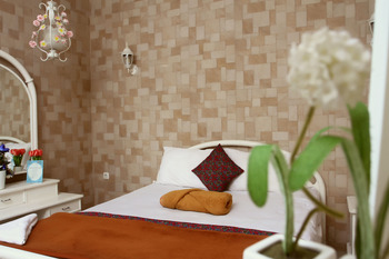 Villa Bantal Guling Bandung - Double Deluxe Room 20% For Stay 5 Nights