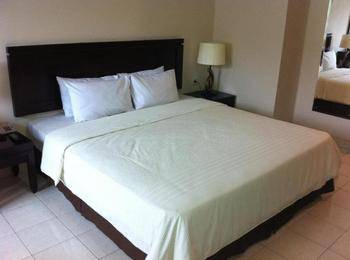 Hotel Guntur Bandung - Standard Room With Breakfast Regular Plan