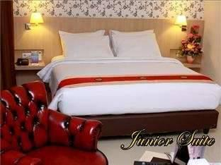 Hotel Rio City Palembang - Junior Suite Room Special Promo 17%