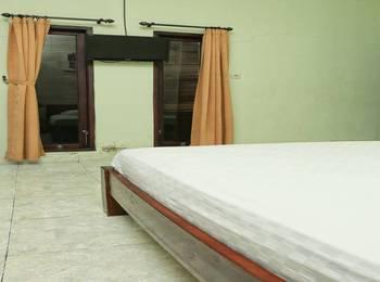 RedDoorz @Mataram Kuta 3 Bali - RedDoorz Room  Special Promo Gajian