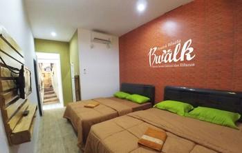Bwalk Hotels Premier & Budget Malang - Superior Quatro 4 Pax Regular Plan
