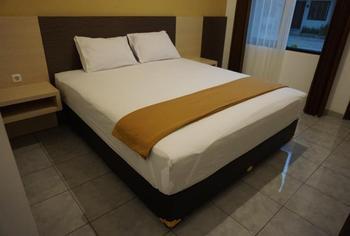 Hotel 99 Jember Jember - Superior Room Regular Plan