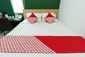 OYO 393 Ara Inn Bed and Breakfast Bali - Deluxe Double Room Regular Plan