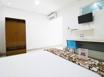 RedDoorz @Pulomas Jakarta - Reddoorz Room 24 Hours Deal