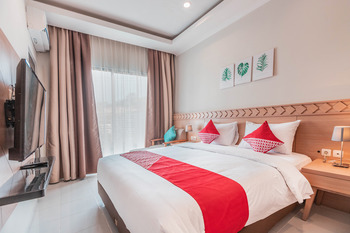 Collection O 9 Villa Ubud Anyer Serang - Deluxe Double Room Regular Plan