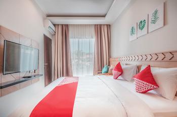 Collection O 9 Villa Ubud Anyer Serang - Deluxe Double Room Regular Plan