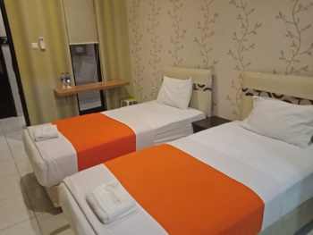 Premiere Hotel Tegal Tegal - Deluxe Guest House Room Only Regular Plan