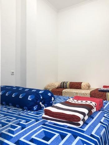 Smart Residences Gading Serpong by Taslim Property Tangerang - Deluxe Triple Room with Window Regular Plan