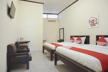 OYO 561 Hotel Citra Indah Near RS Ludira Husada Tama Yogyakarta - Suite Family Room Regular Plan