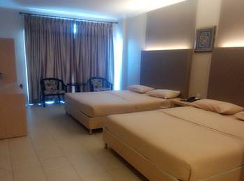 Sky View Hotel Batam - Deluxe Family Room Regular Plan