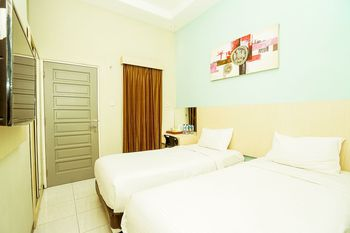 Ardhya Guest House Surabaya - Standard Twin Room Only Free Cancellation Promotion