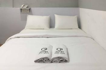 Jotel Guest House Medan - Standard Room Best Deal