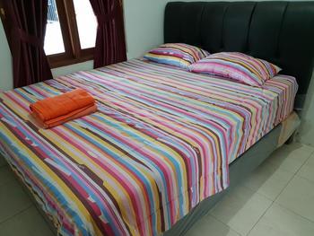 Twins Homestay Yogyakarta - Two Bedrooms Regular Plan