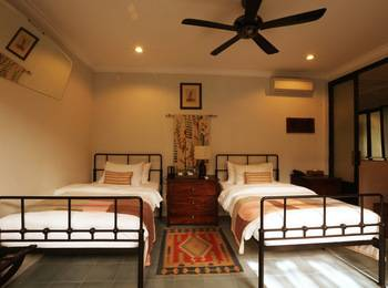 Brown Feather Hotel Bali - Deluxe Halona Twin Bali Escapade