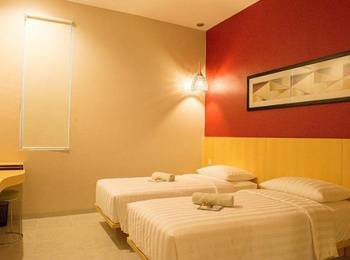 The Luxe Guest House Balikpapan - Deluxe Room Only Regular Plan