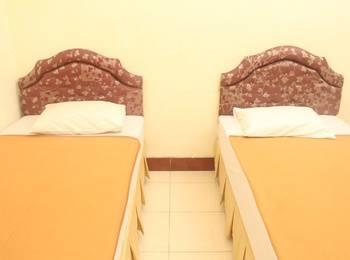 RedDoorz Plus @ Pejanggik Mataram Lombok - RedDoorz Room Regular Plan
