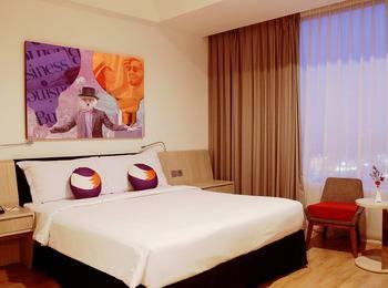 FOX HARRIS Hotel Pekanbaru - Deluxe Room with Breakfast Regular Plan