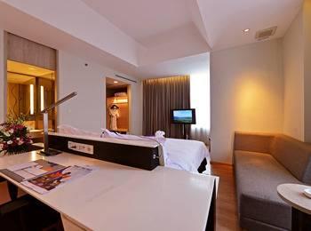 FOX Hotel Pekanbaru - Suite Room Only Regular Plan